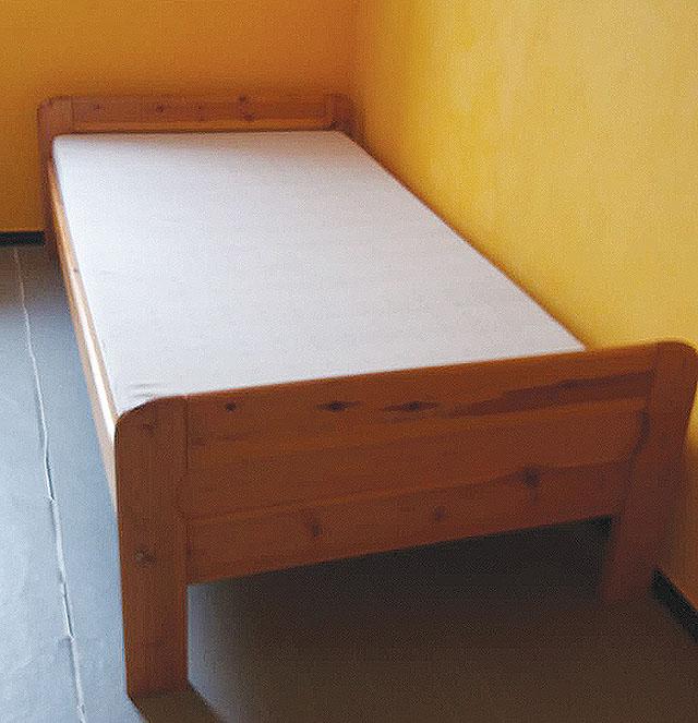Dřevěná postel, 100×200 cm...