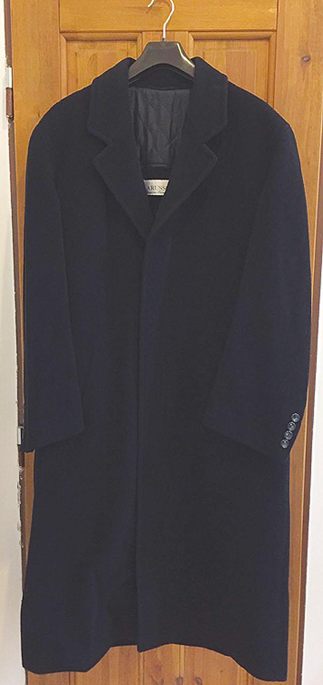 Pánský černý flaušový kabát...