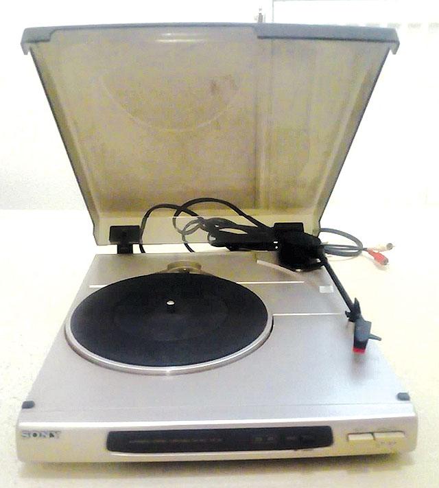 Gramofon SONY za pouhých...
