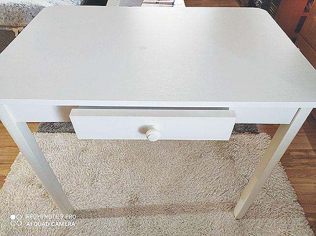 Bílý stůl do kuchyně,...