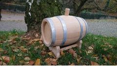 Dubovy sud (dřevěný sudek)
